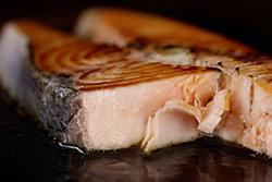 厚切鮭魚,怎麼料理最好吃。-中華料理