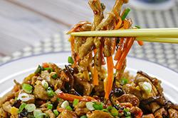 一盒肉絲,四道料理。-中華料理