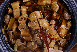 加酒讓滷肉變神奇了!-中華料理