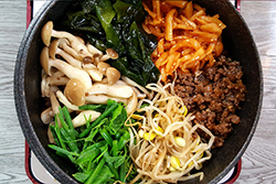 石鍋拌飯-中華料理