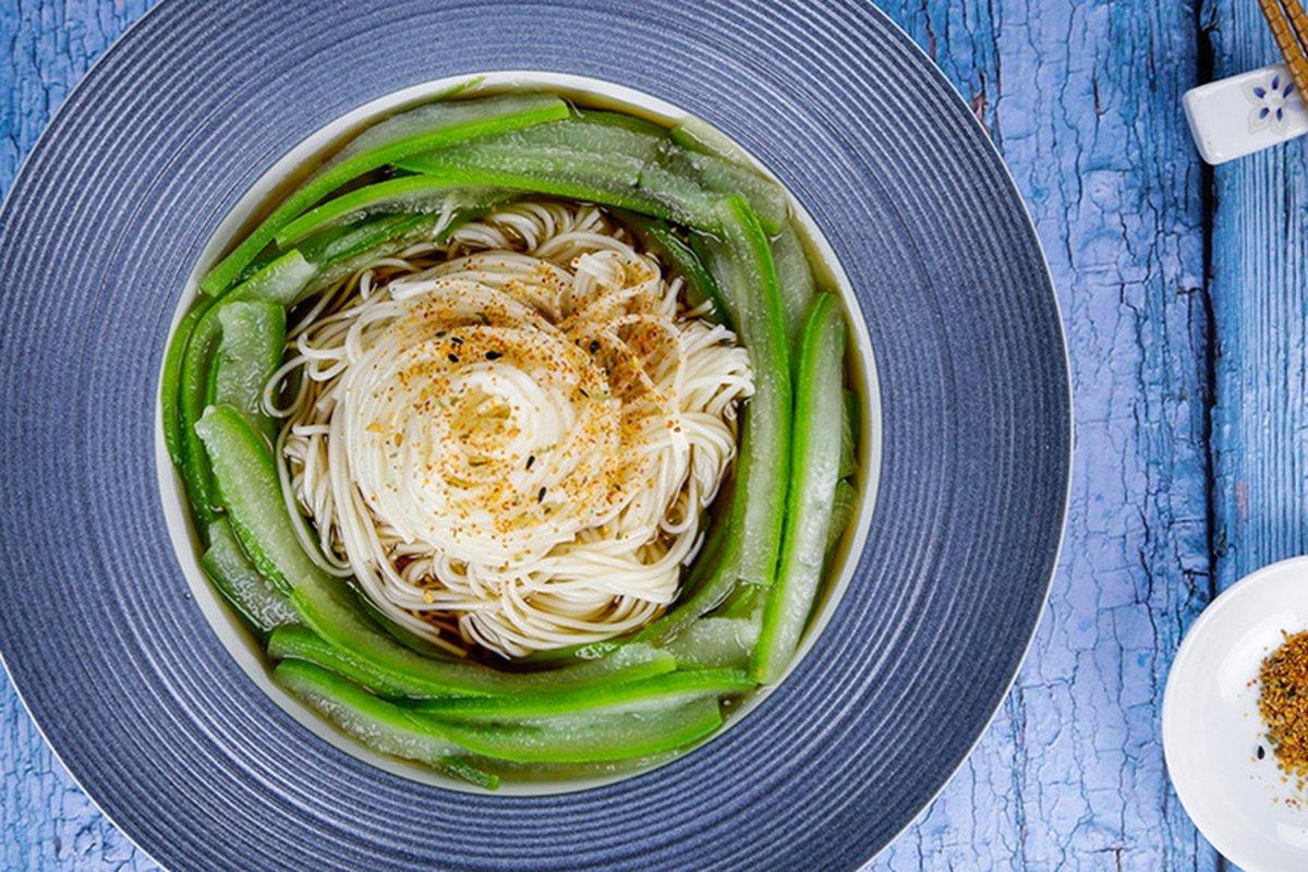 天氣熱吃冷麵,立即降溫。-中華料理