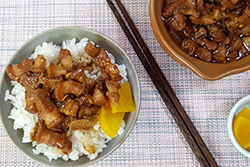 滷肉飯要好吃,靠這兩樣神秘武器!-中華料理