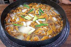 金針排骨湯-中華料理