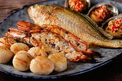 煎海鮮,火候最重要!! -中華料理