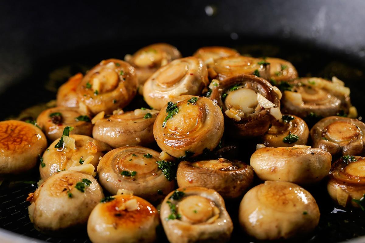 菇類這樣炒更好吃!-中華料理