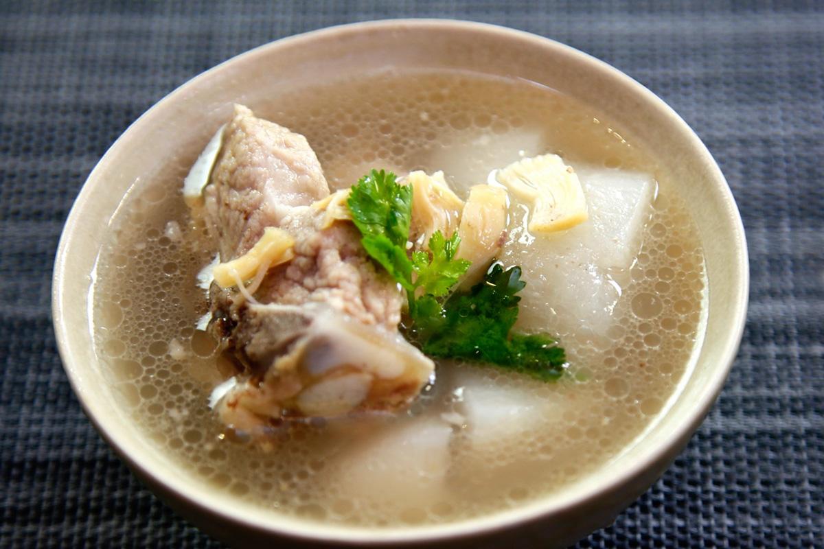 蒸鮮鍋煲排骨湯