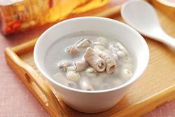 電鍋煮四神湯與當歸酒-中華料理