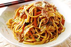 電鍋也能炒麵-中華料理