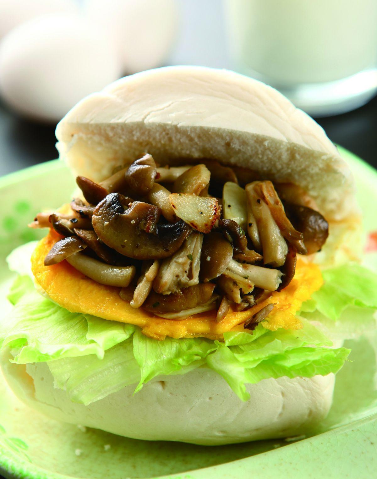 食譜:饅頭菌菇堡
