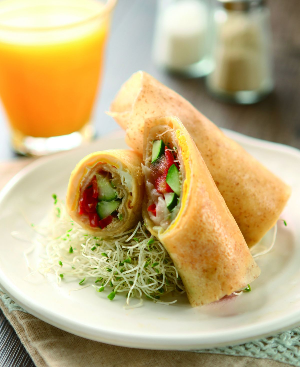 食譜:全麥苜蓿芽蔬菜卷