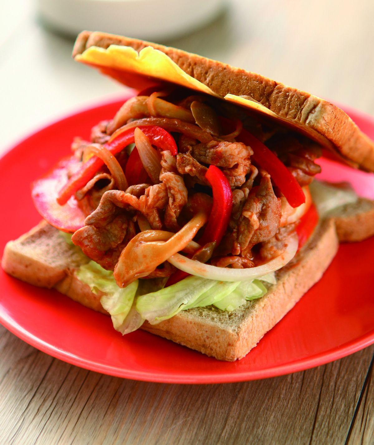 食譜:肉片茄汁起司三明治