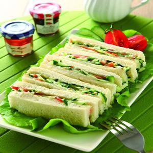小黃瓜番茄手指三明治