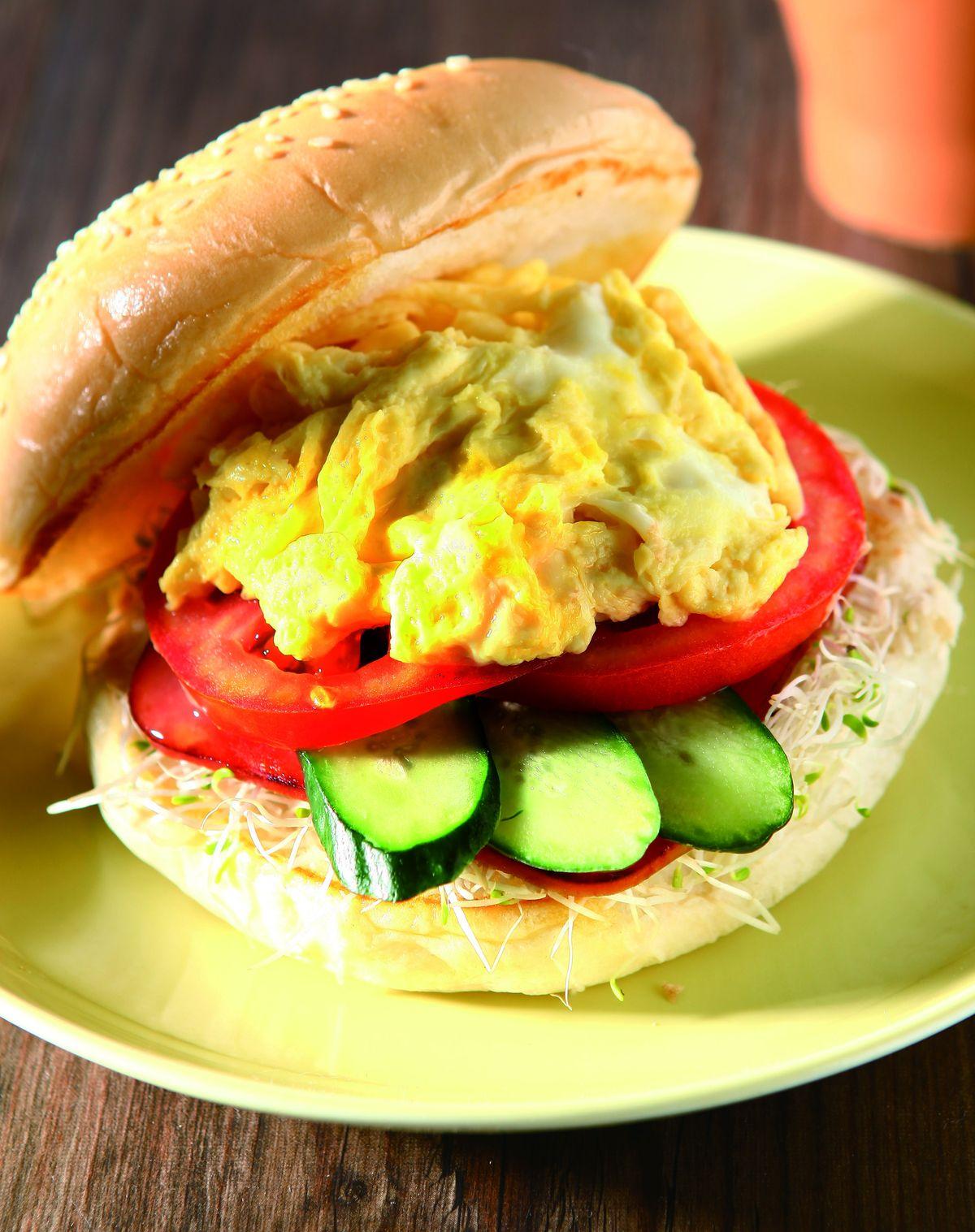 食譜:西式嫩蛋火腿堡