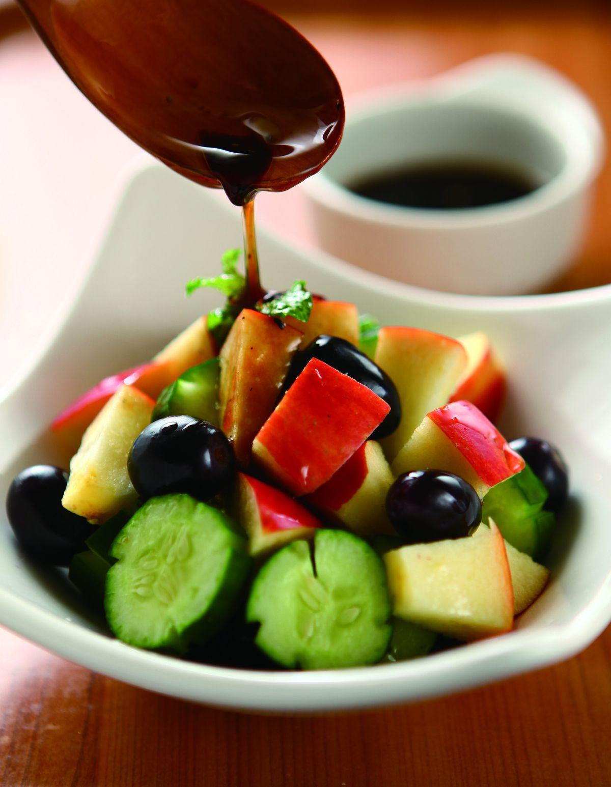 食譜:老酒醋蘋果蔬菜盤