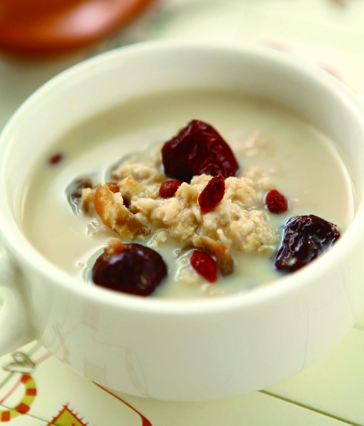 食譜:桂圓紅棗燕麥粥