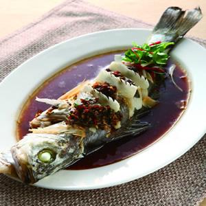 剝皮辣醬魚