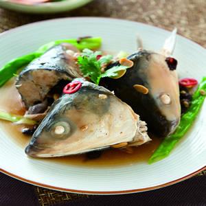 米醬蒸虱目魚頭