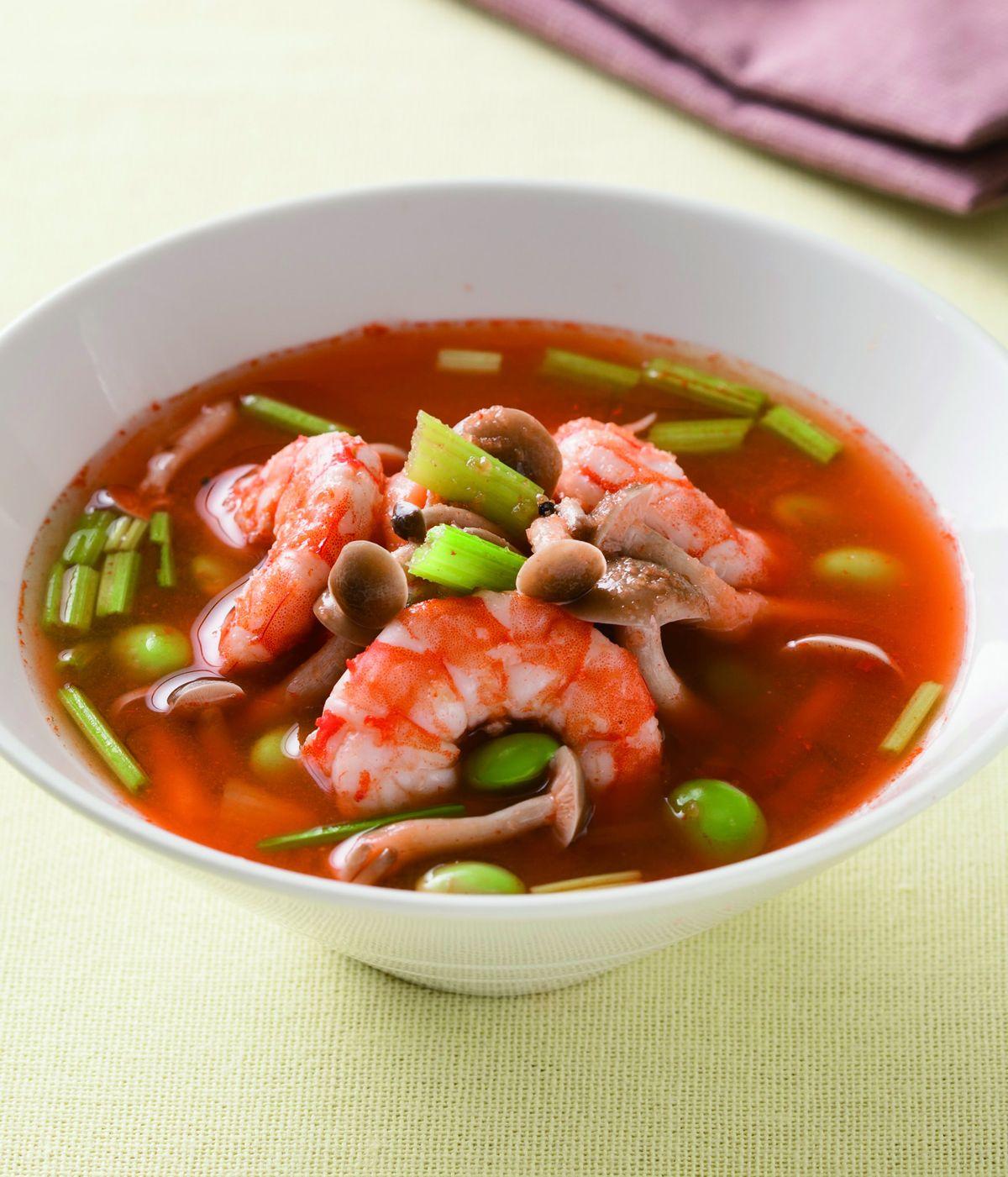 食譜:紅蘿蔔鮮蝦芹菜湯