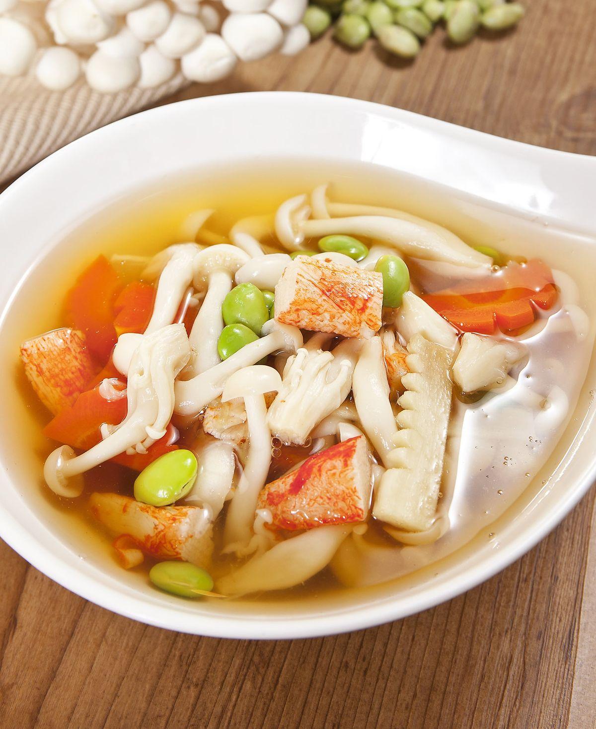 食譜:雪白菇蟹肉湯