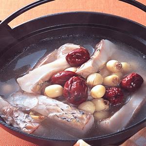 蓮子鮮魚鍋