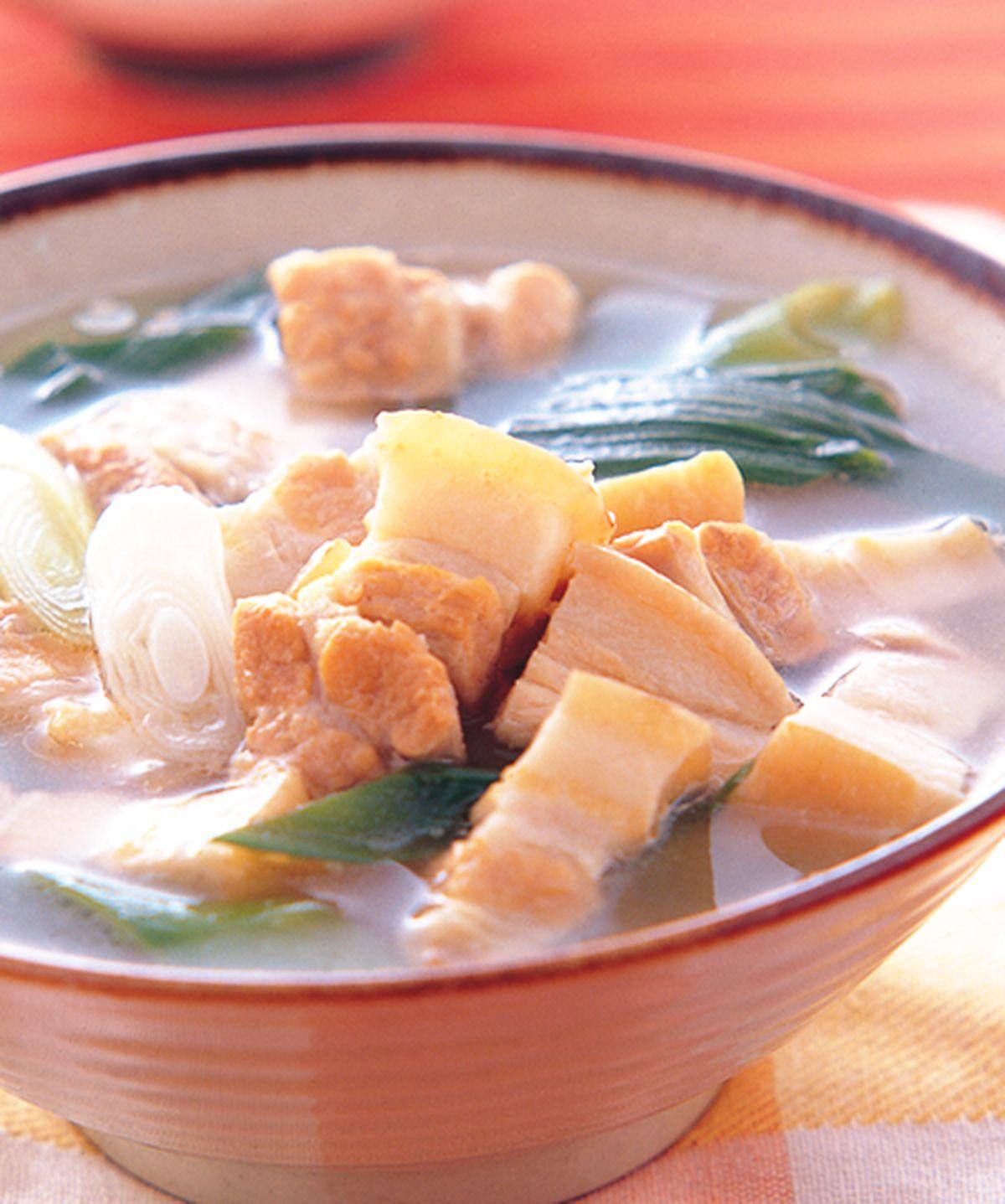 食譜:蒜苗控肉湯