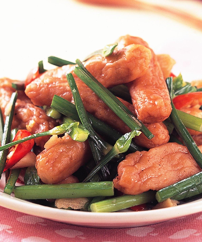 食譜:韭菜花炒甜不辣
