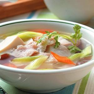 金針筍豆腐魚片湯