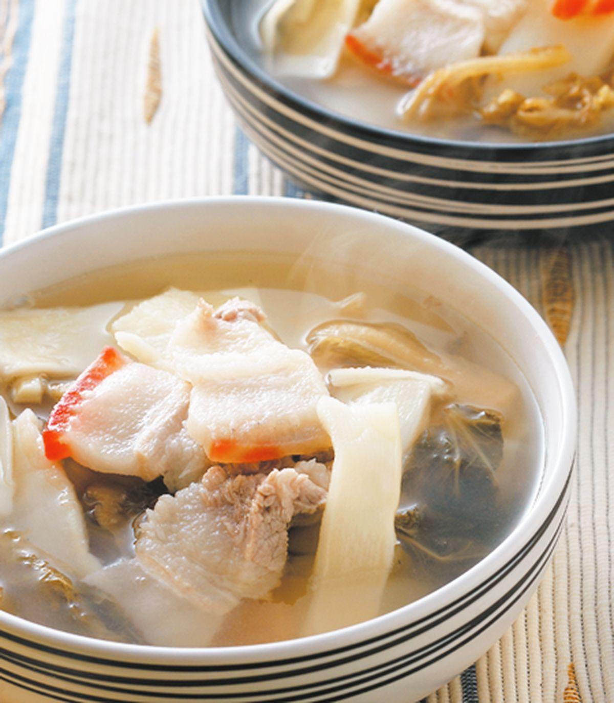 食譜:筍片福菜肉片湯