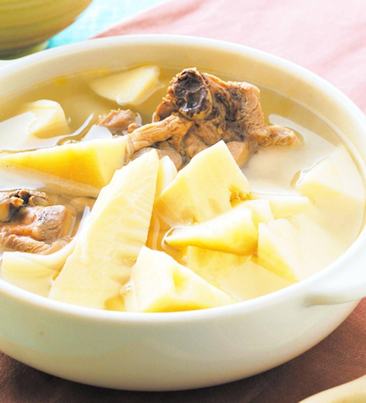 食譜:椰子水筍塊湯