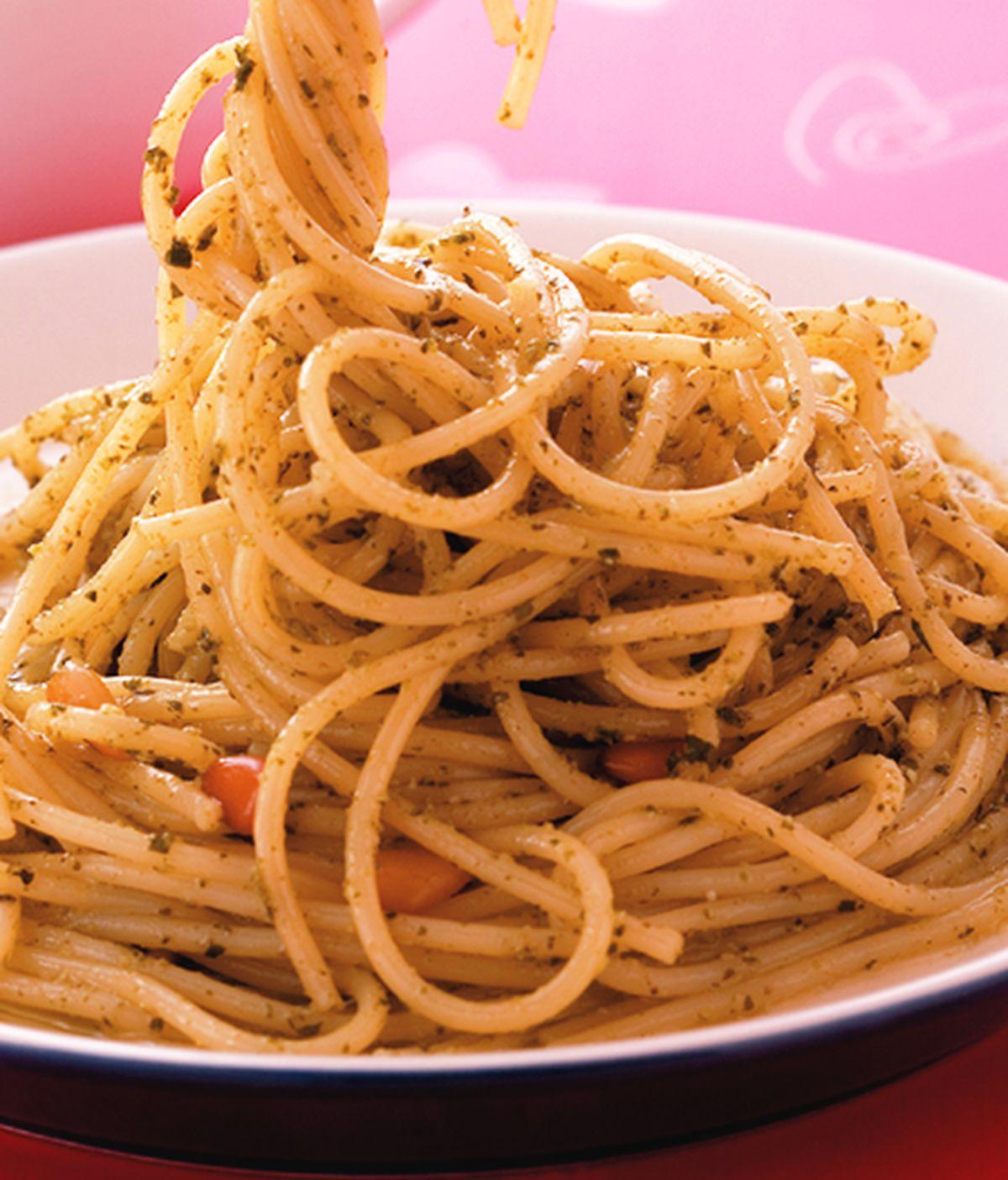 食譜:松子青醬義大利麵