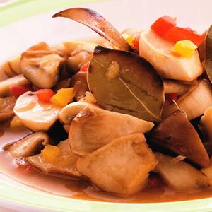 月桂醃野菇