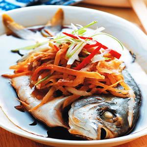 榨菜肉絲蒸魚