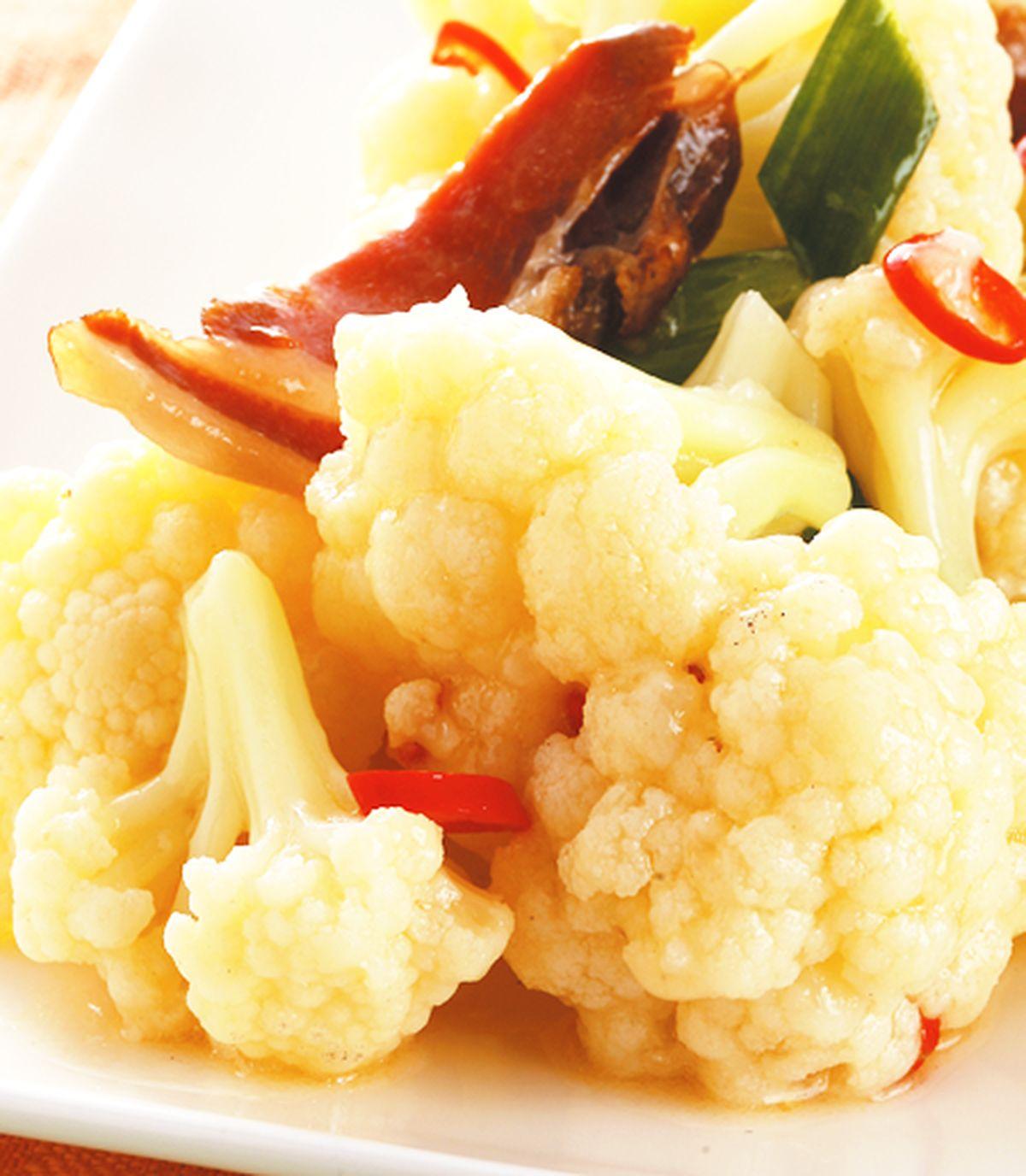 食譜:臘肉炒白花椰