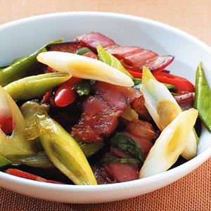 蒜苗炒臘肉(1)
