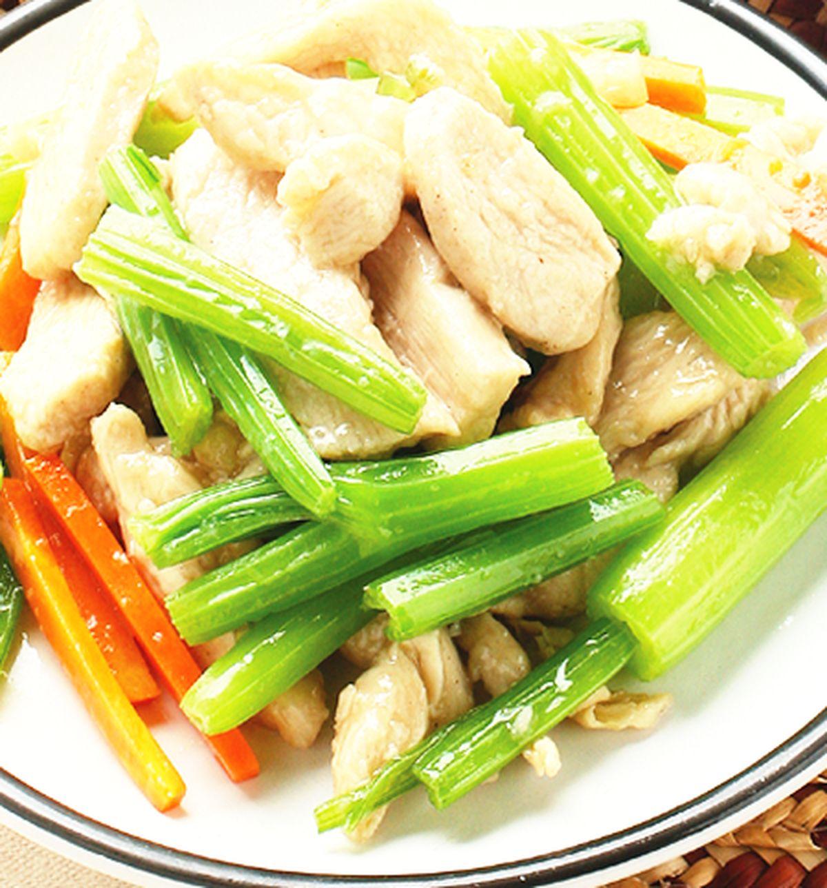 食譜:芹管炒雞絲