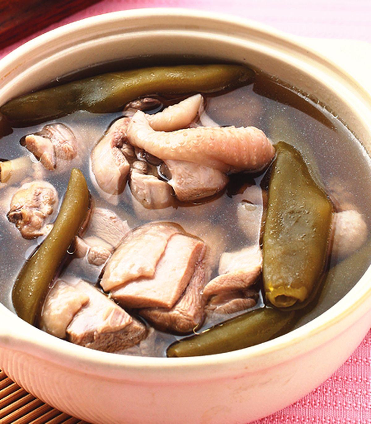 食譜:剝皮辣椒雞湯
