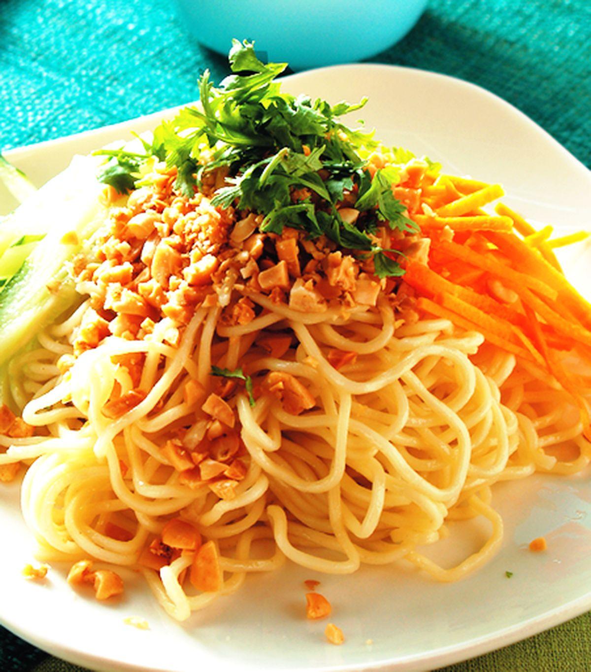 食譜:花生芝麻醬涼麵(1)