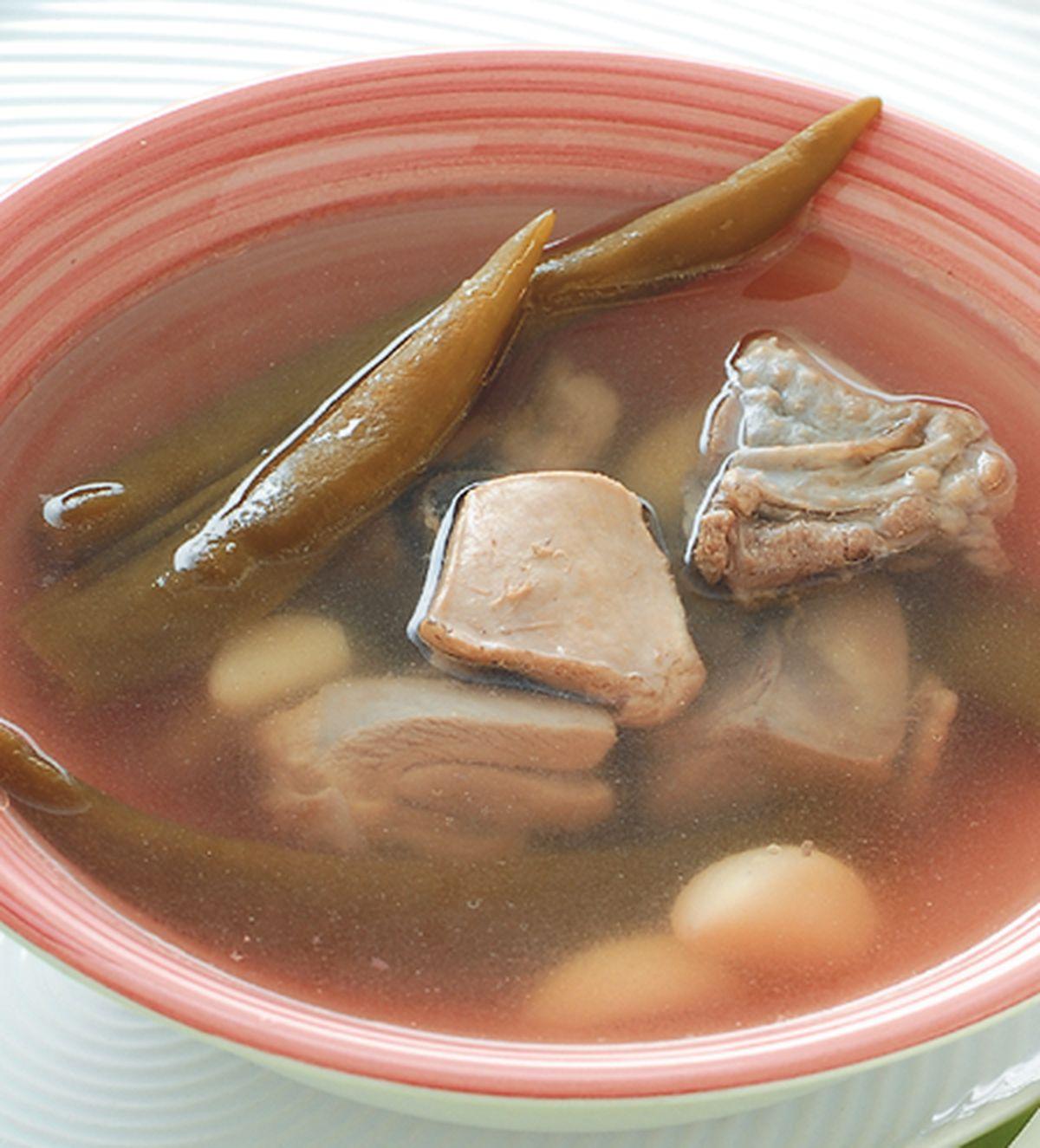 食譜:剝皮辣椒雞湯(1)