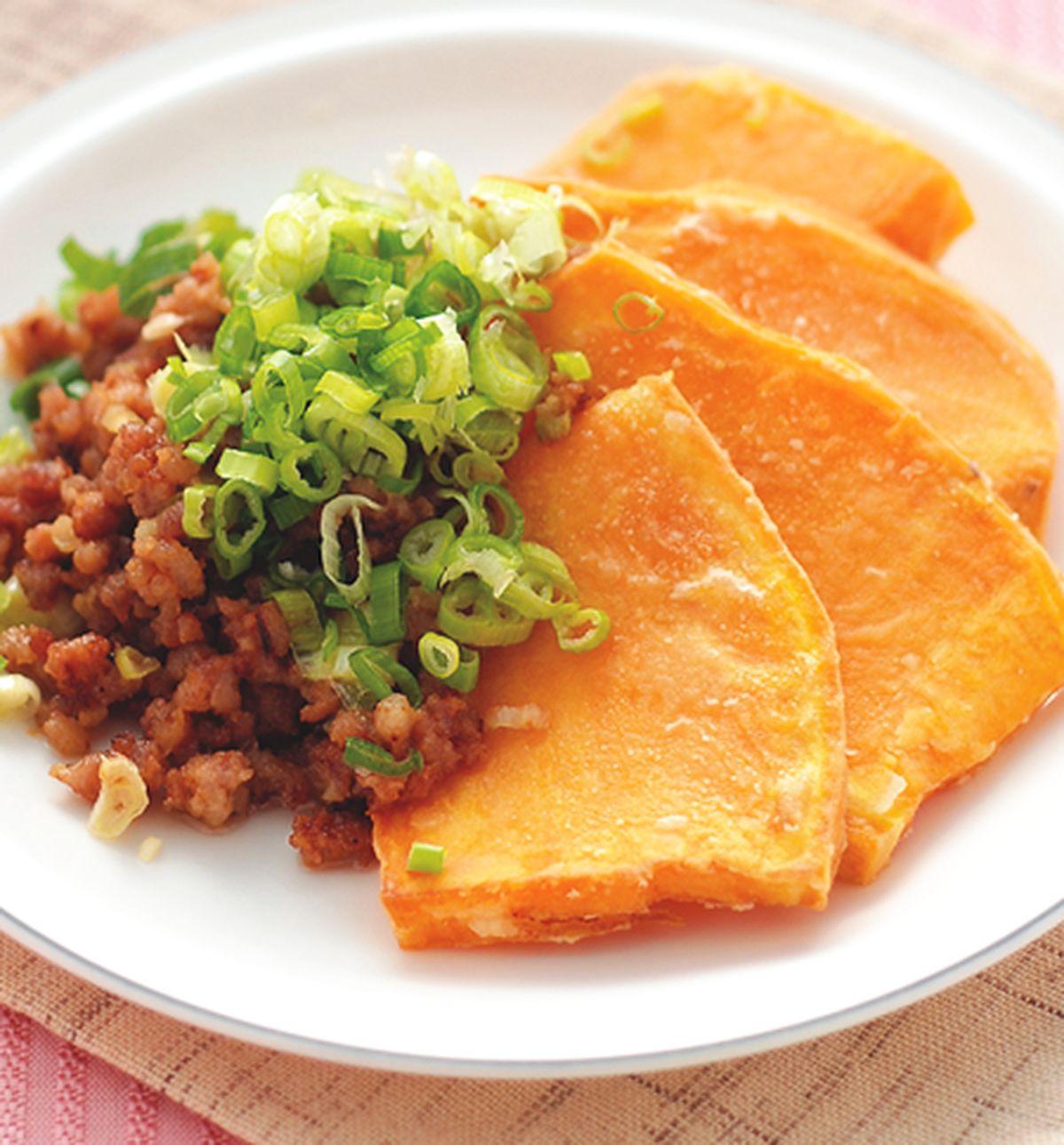 食譜:味噌碎肉煎地瓜排