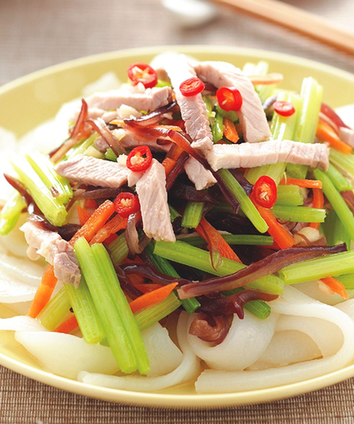 食譜:芹菜涼拌粄條