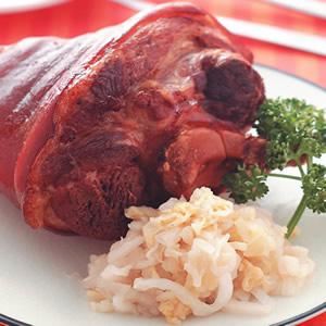 烤豬腳佐酸白菜
