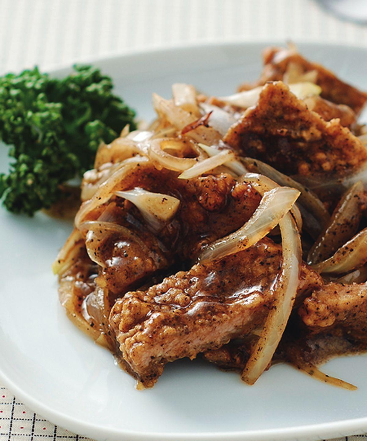 食譜:洋蔥燴豬排