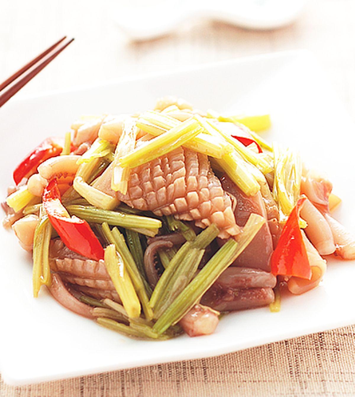 食譜:芹菜炒魷魚(1)