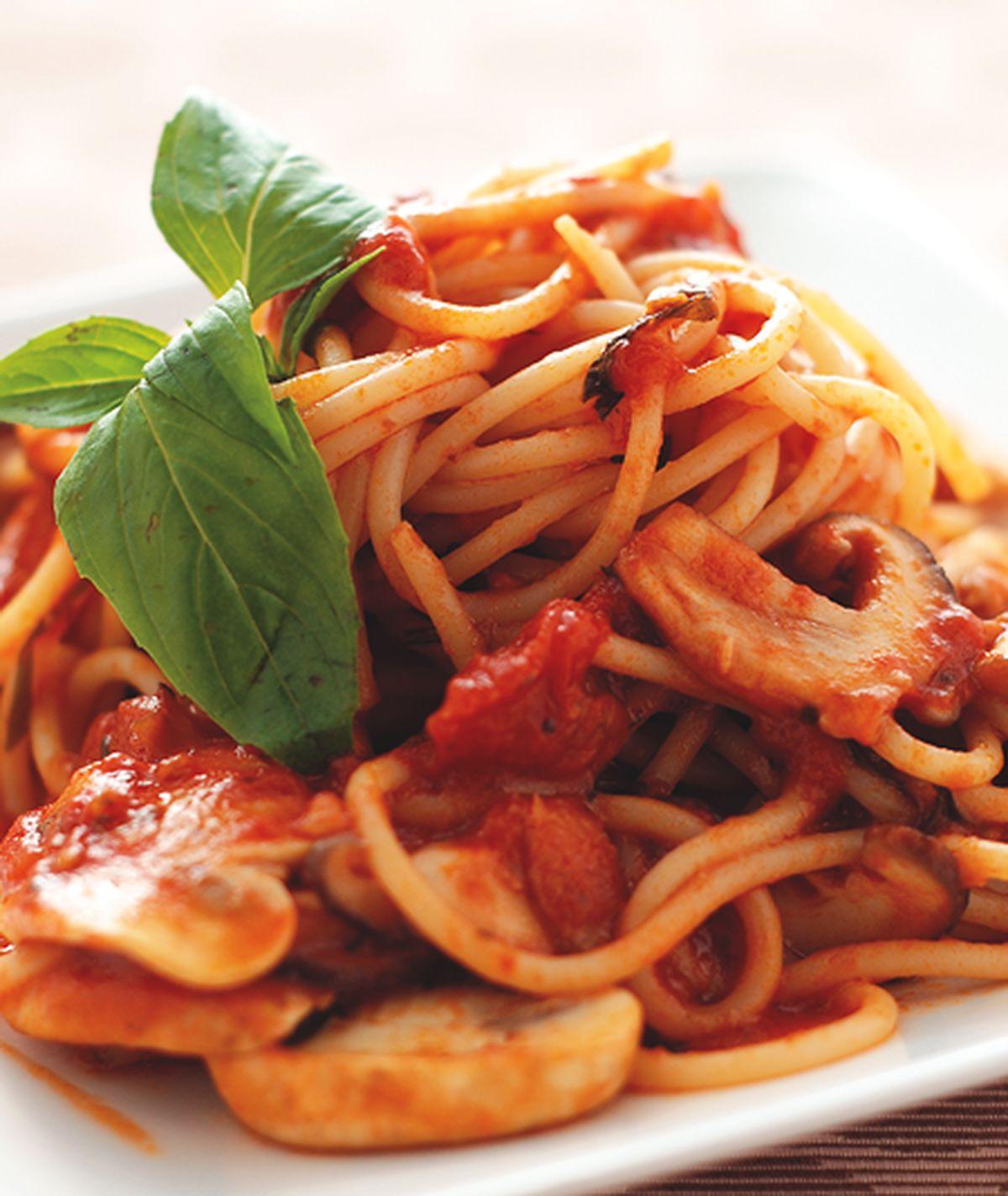 食譜:蕃茄野菇義大利麵(1)
