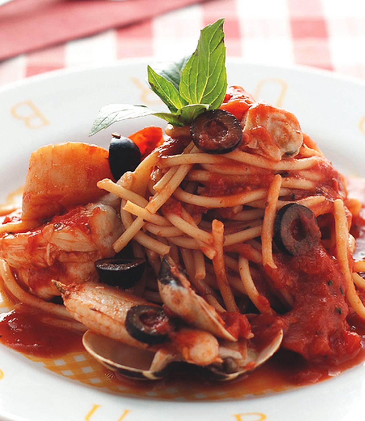 食譜:海鮮橄欖茄汁義大利麵