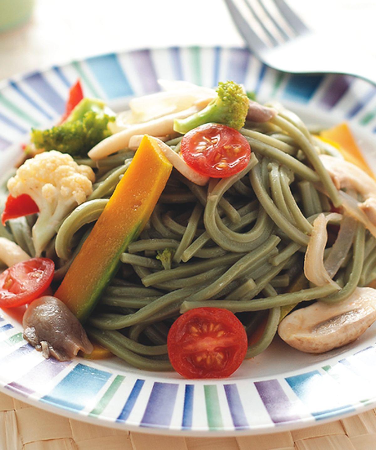 食譜:田園蔬菜綠藻麵