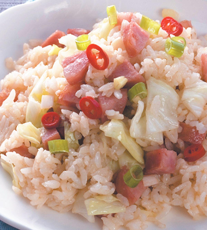 食譜:香腸高麗菜炒飯
