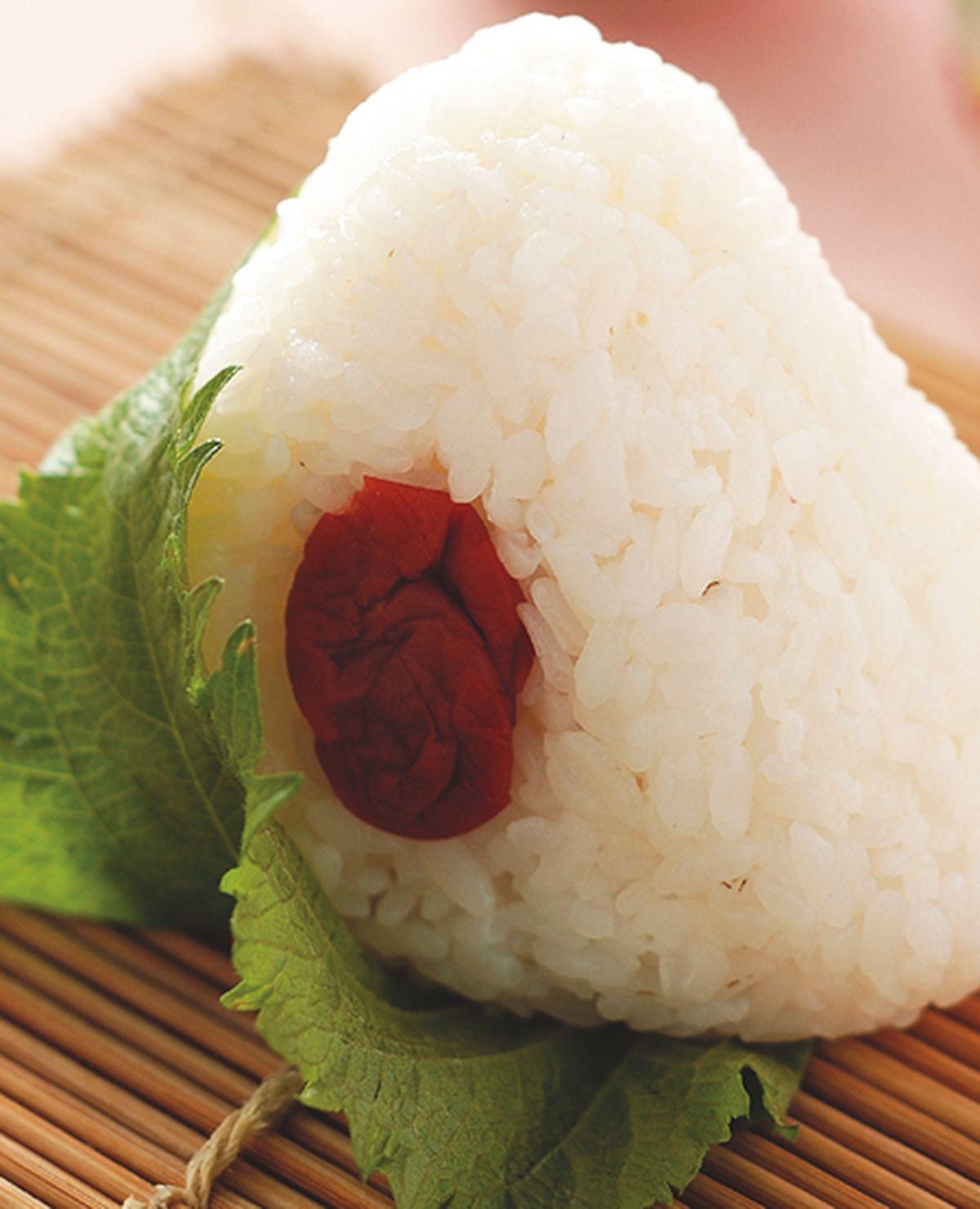 食譜:紫蘇梅飯糰