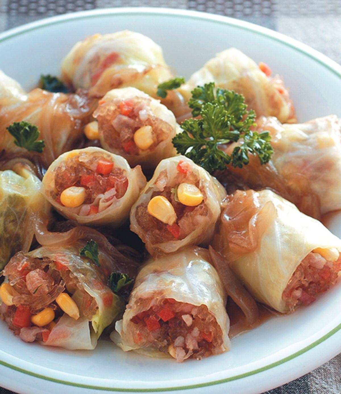 食譜:洋蔥汁燴什錦高麗菜捲