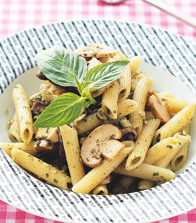 食譜:青醬野菇義大利麵